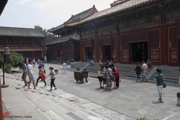 Lama-Temple-Beijing-23