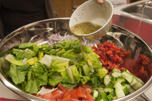 Greek-Salad-with-Romaine-Lettuce-4