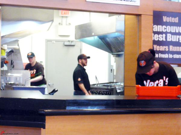 Vera's-Burger-Aberdeen-Mall-Richmond-8