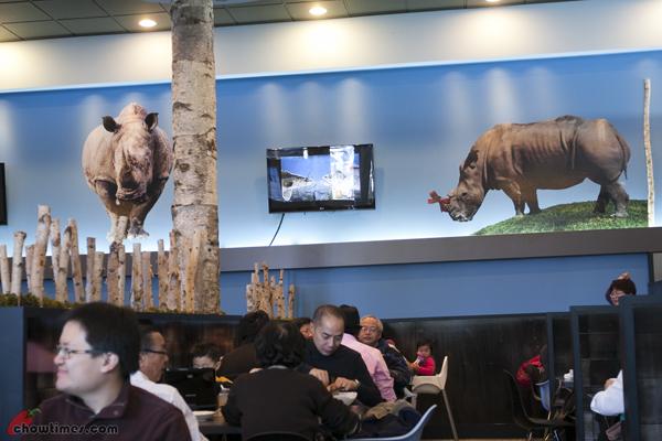Rhino's-Kitchen-Lansdowne-Mall-Richmond-6