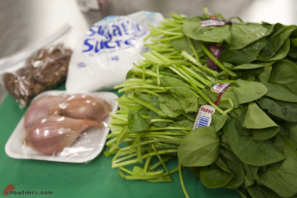 Spinach-Salad-with-Candied-Pecan-1