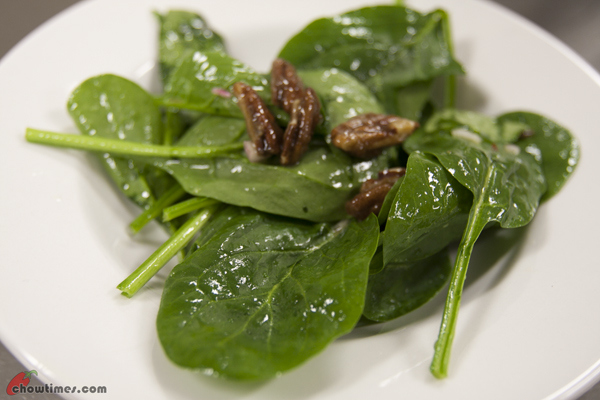 Spinach-Salad-with-Candied-Pecan-6