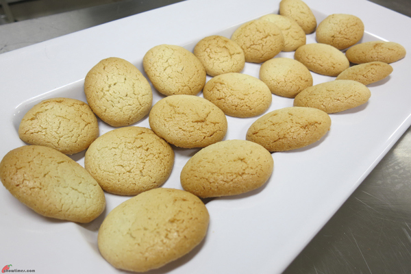 Amaretti-Cookies-13