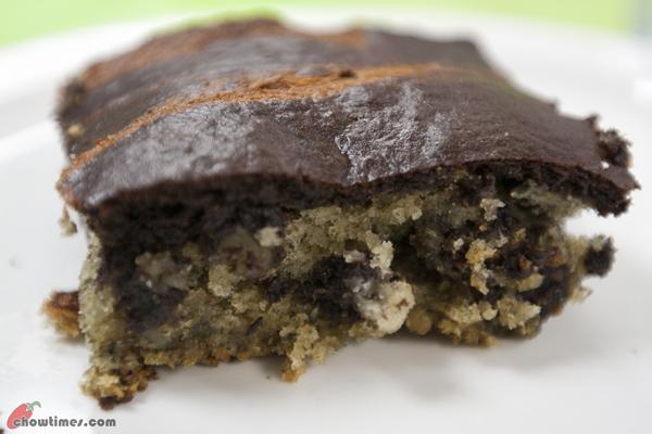 Black-Bottom-Banana-Cake-Square-14