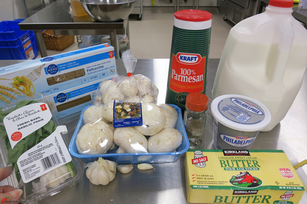 Fettuccine-with-Cream-Cheese-Alfredo-Sauce-1