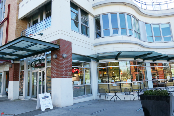 Marketplace-IGA-Bistro-on-West-Broadway-8