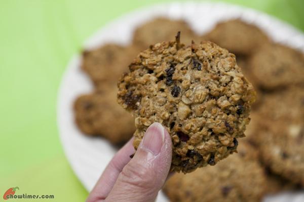 Oat-and-Fruit-Breakfast-Cookies-12