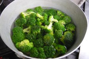 Broccoli-Salad-with-Feta-2