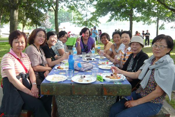 Richmond-Community-Kitchen-Summer-Picnic-2012-34