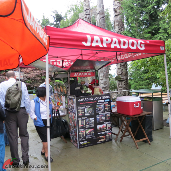 Japadog-YVR-Richmond-1