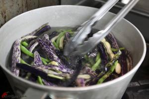 Green-Bean-Salad-with-Basil-Vinaigrette-3