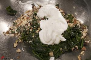 Spinach-and-Hazelnut-Stuffed-Mushrooms-8