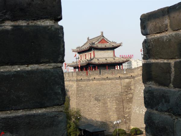 Xian-Day-1-Biking-On-City-Wall-10