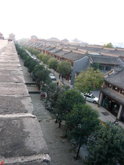 Xian-Day-1-Biking-On-City-Wall-14