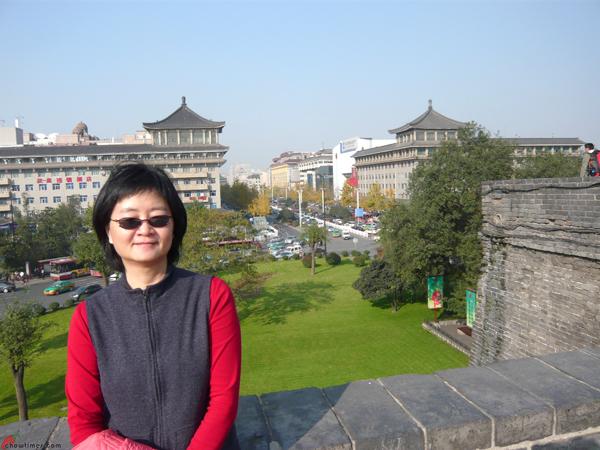 Xian-Day-1-Biking-On-City-Wall-5