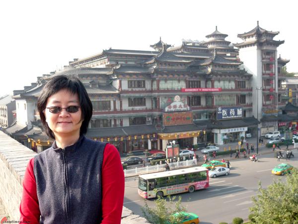 Xian-Day-1-Biking-On-City-Wall-6