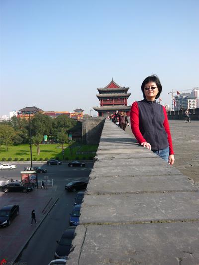 Xian-Day-1-Biking-On-City-Wall-7