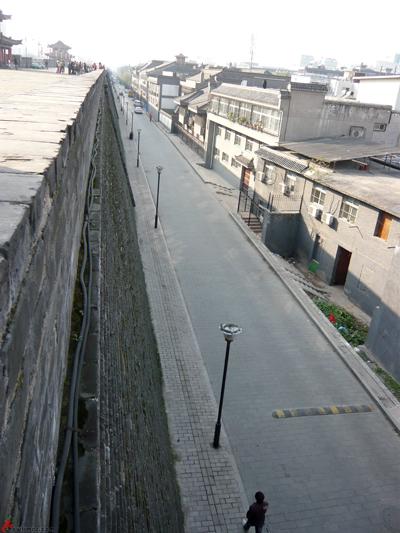 Xian-Day-1-Biking-On-City-Wall-8