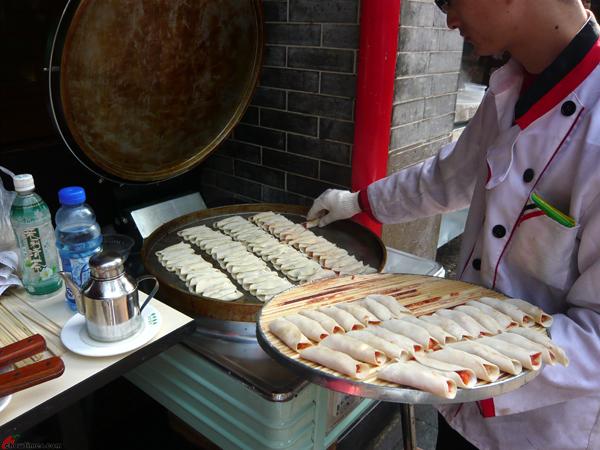 Xian-Day-1-Snacking-in-Muslim-Quarters-1