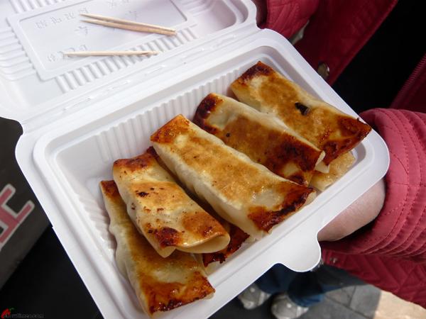 Xian-Day-1-Snacking-in-Muslim-Quarters-3