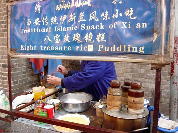 Xian-Day-1-Snacking-in-Muslim-Quarters-4