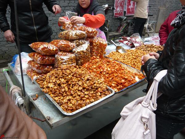 Xian-Day-2-More-Food-in-Muslim-Quarter-1
