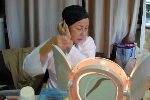 Cantonese-Opera-Makeup-Application-1