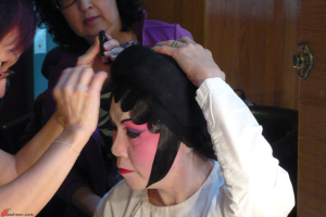 Cantonese-Opera-Makeup-Application-15