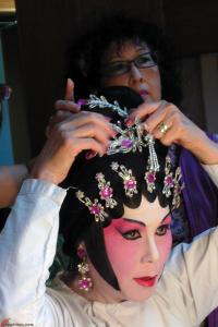 Cantonese-Opera-Makeup-Application-17
