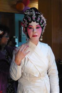 Cantonese-Opera-Makeup-Application-19