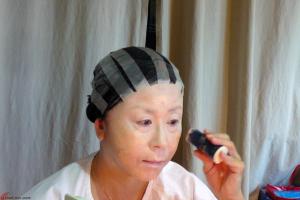 Cantonese-Opera-Makeup-Application-4