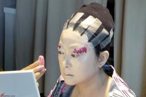 Cantonese-Opera-Makeup-Application-5