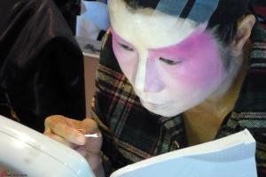 Cantonese-Opera-Makeup-Application-6