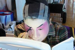 Cantonese-Opera-Makeup-Application-8