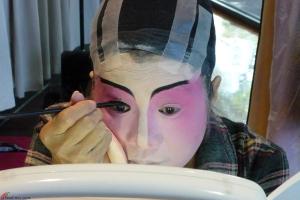 Cantonese-Opera-Makeup-Application-9