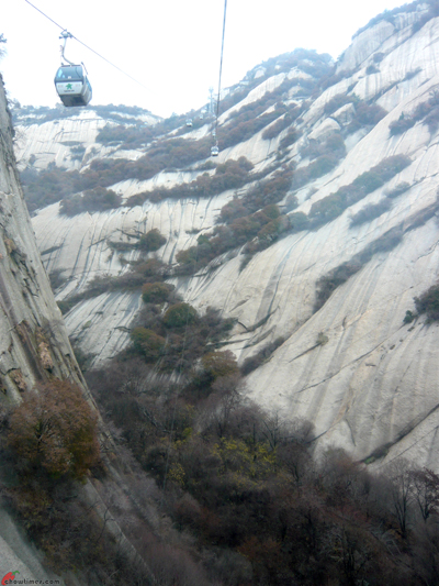 Xian-Day-4-Taking-Cable-Car-Up-Huashan-10