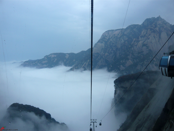 Xian-Day-4-Taking-Cable-Car-Up-Huashan-11