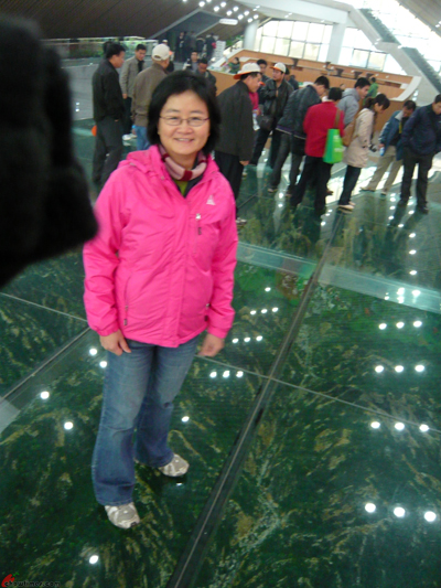 Xian-Day-4-Taking-Cable-Car-Up-Huashan-3