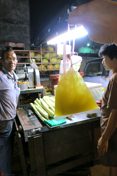 Kuala-Lumpur-Day-1-Night-Market-Snacks-04