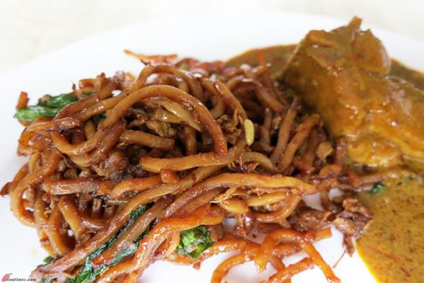 Kuala-Lumpur-Day-2-Breakfast-at-Crown-Cafe-03