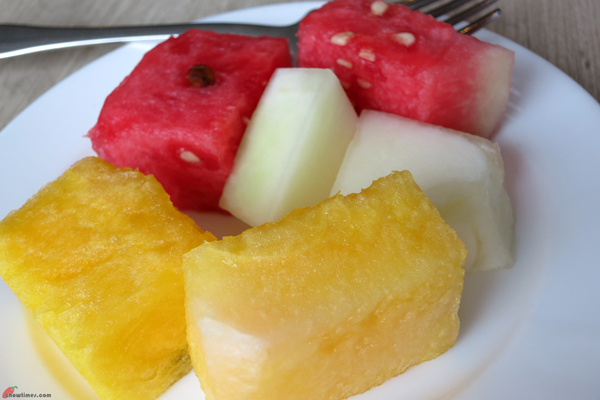 Kuala-Lumpur-Day-2-Breakfast-at-Crown-Cafe-07