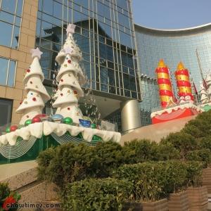 Christmas-Decor-Beijing-2012-05