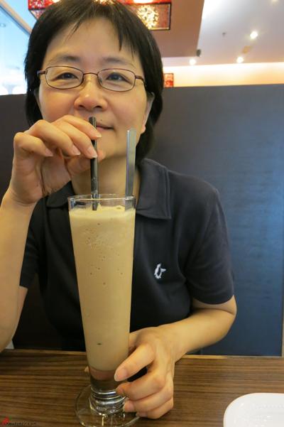 Kuala-Lumpur-Day-10-Snacks-at-HongKong-Cafe-01