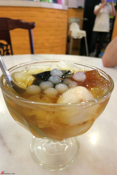 Kuala-Lumpur-Day-12-Lunch-at-Nasi-Lemak-Brilliant-02