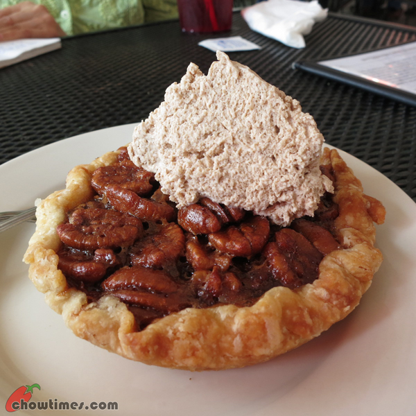 Atlanta-Day-7-Lunch-at-Fox-Brother-BBQ-08