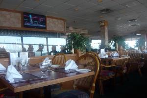 Charthouse-Restaurant-Steveston-Village-04