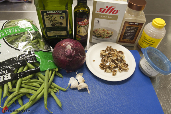 Roasted-Green-Beans-with-Red-Onion-and-Walnuts-01