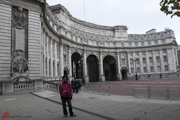 London-Day-3-Buckingham-Palace-18