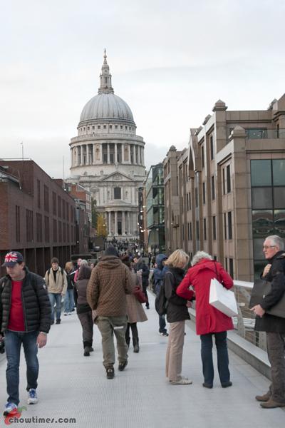 London-Day-4-Crossing-The-Millenium-Bridge-04
