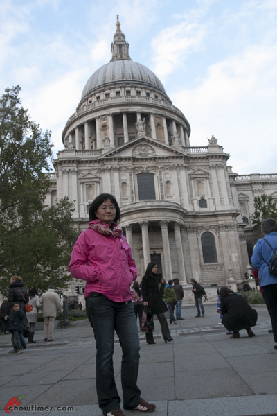 London-Day-4-Crossing-The-Millenium-Bridge-06